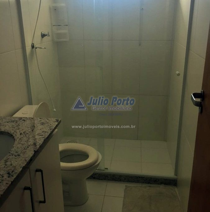 Banheiro com Box Blindex