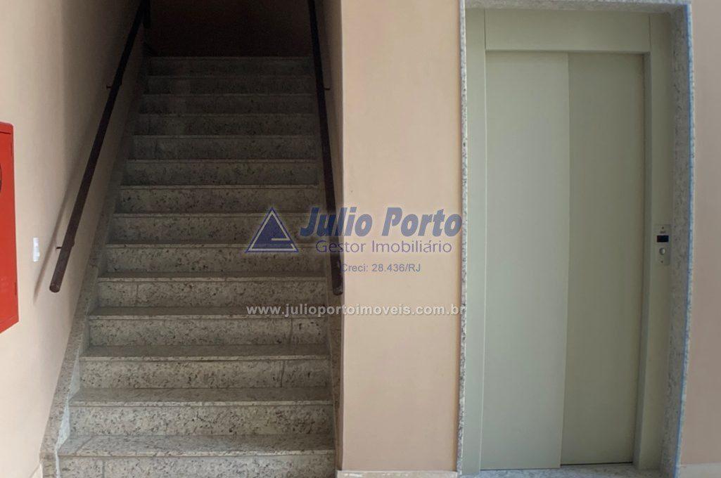 Escada e Elevador