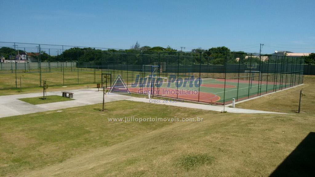 Quadra de Tênis e Campo de Futebol